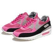 Sepatu Olahraga Wanita BLG 241