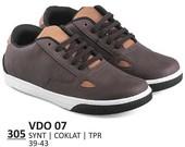 Sepatu Sneakers Pria VDO 07