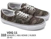 Sepatu Sneakers Pria VDQ 11