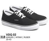 Sepatu Sneakers Pria VDQ 02