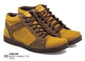 Sepatu Sneakers Pria VJM 09