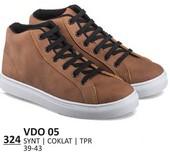 Sepatu Sneakers Pria VDO 05