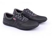 Sepatu Sneakers Pria GCM 1233