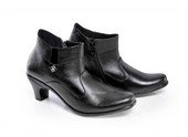 Sepatu Boots Wanita SP 507.02